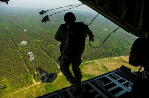 parachute_jump_special_forces